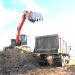 Погрузка песка в Тутаевском карьере